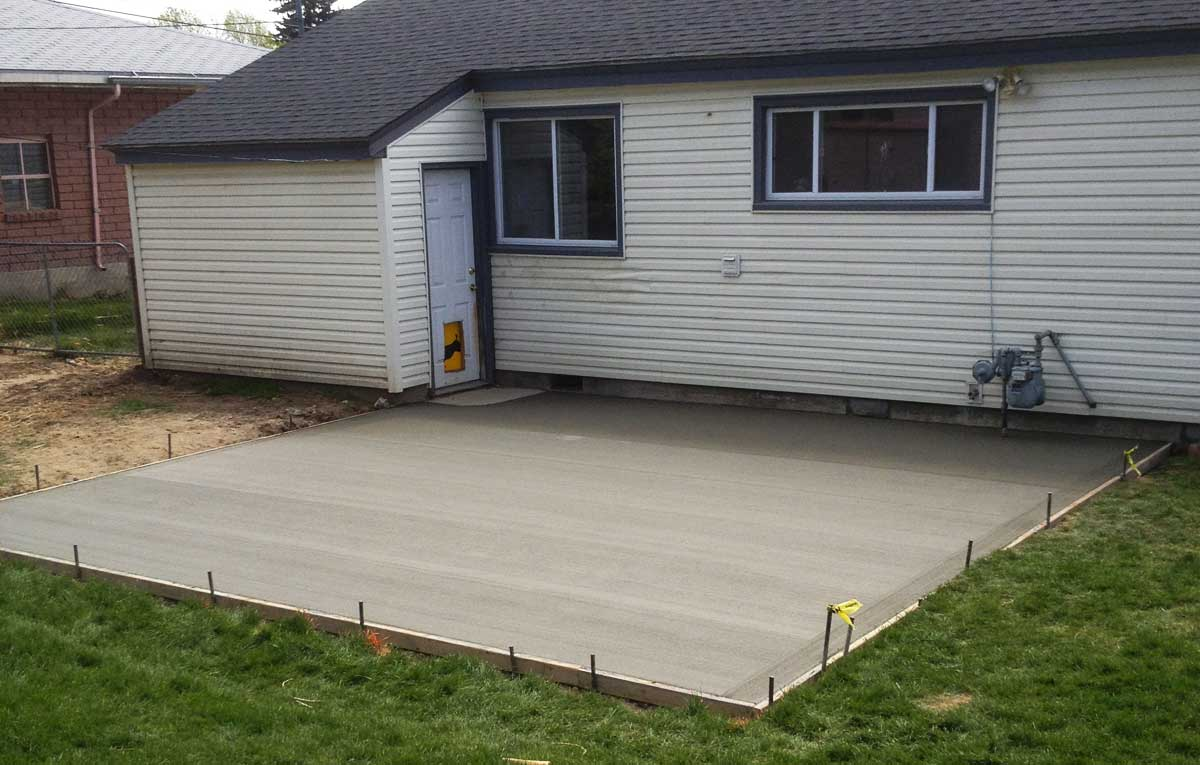 Plain Concrete Patio Home Design Roosa